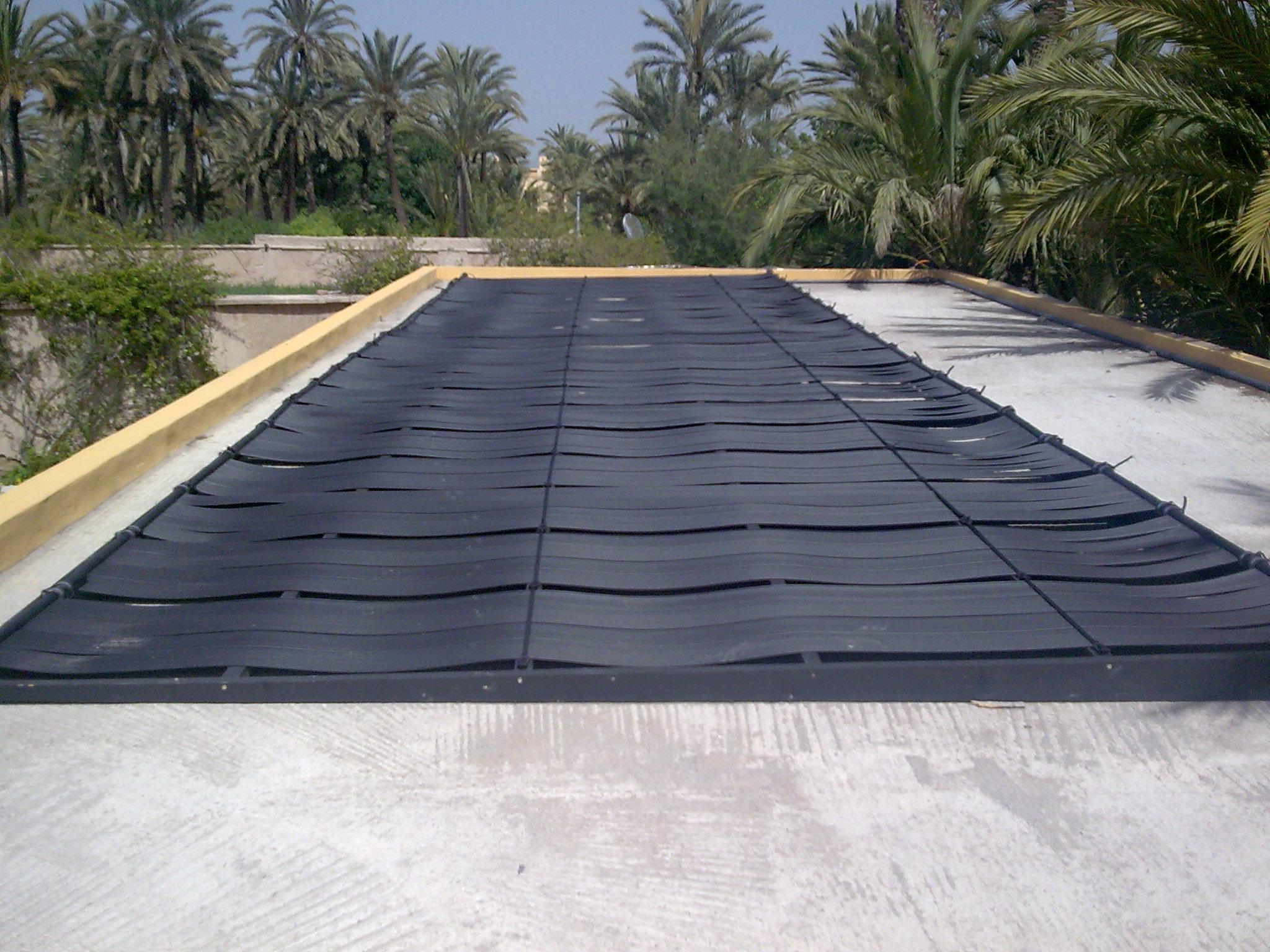 panneau solaire chauffage maison latest centrale solaire with panneau solaire chauffage maison. Black Bedroom Furniture Sets. Home Design Ideas